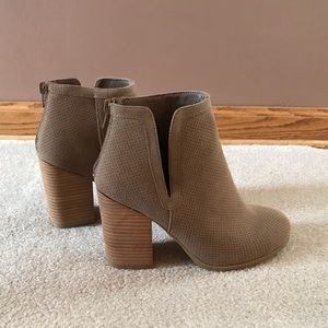 NWOT Call It Spring Tan Bootie Heels
